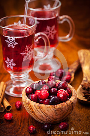 Cranberries with hot mulled wine
