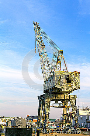 Free Crane Royalty Free Stock Images - 26534199