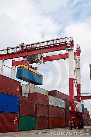Free Crane & Cargo Containers Stock Images - 15275104