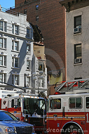 Crane collapse flatten a 4 story building Editorial Image