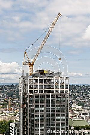 Free Crane Constructing Skyscraper Royalty Free Stock Photos - 10247738