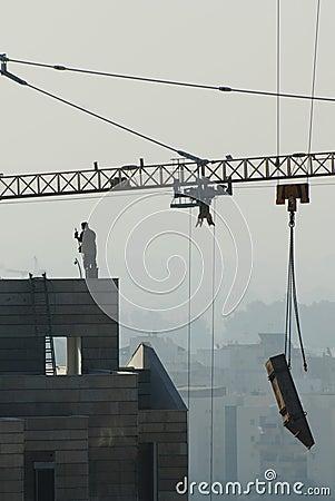 Crane, Construction of highrise buildings