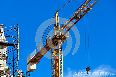 Crane on the reconstruction