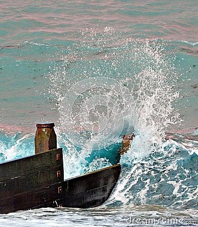 The crashing wave