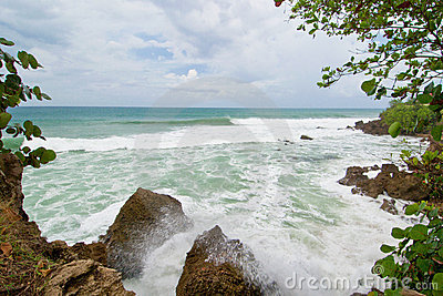 Crashing waves, rincon s shoreline