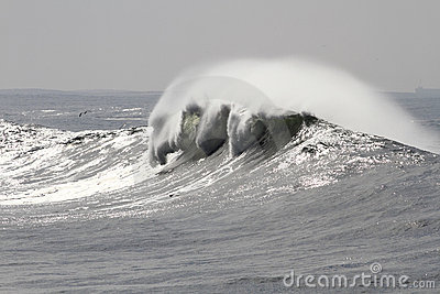 Crashing white wave