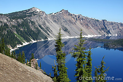 Crater Lake, Oregon from the rim