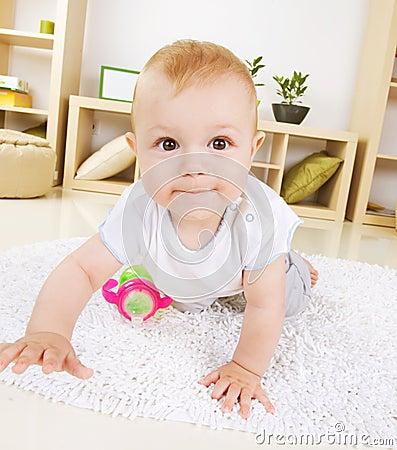 Free Crawling Baby Boy Royalty Free Stock Photo - 21064985