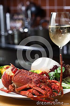 Free Crayfish And Wne Royalty Free Stock Image - 28512326