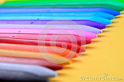 Crayons en plastique