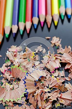 Crayons et copeaux
