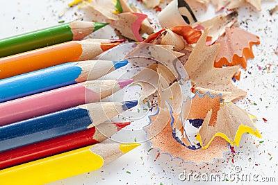 crayons et copeaux en bois colors affils photo stock image 82331236 - Copeaux De Bois Colors