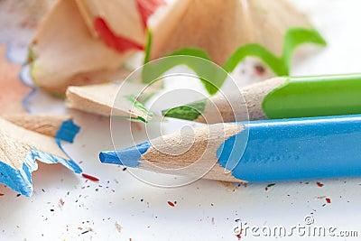 crayons et copeaux en bois colors affils photo stock image 82335599 - Copeaux De Bois Colors