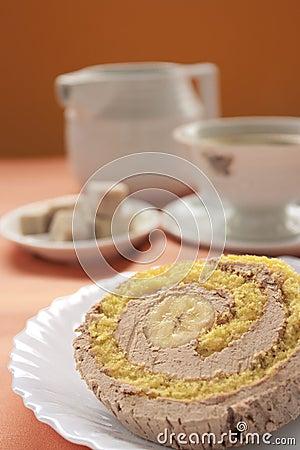 Free Cream And Banana Sponge Roll Stock Photography - 17703942
