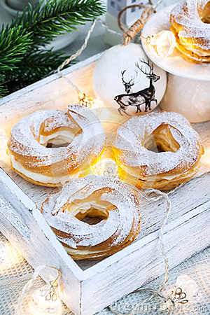 Free Cream Puff Rings (choux Pastry) Stock Photos - 63800063