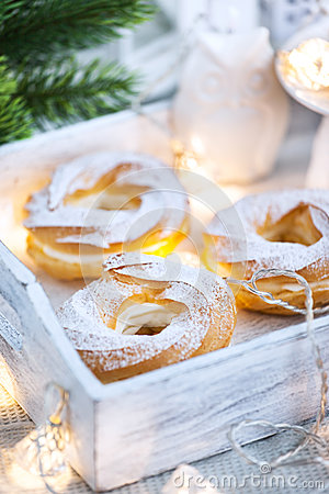 Free Cream Puff Rings (choux Pastry) Royalty Free Stock Images - 78908979