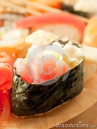 Cream-sushi with tuna around sushi set