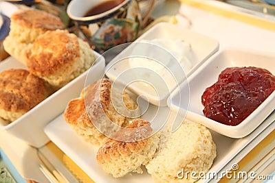 Cream tea 4