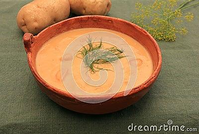 Creamy potato and dill soup