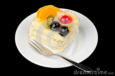 Creamy tart with fruits on top