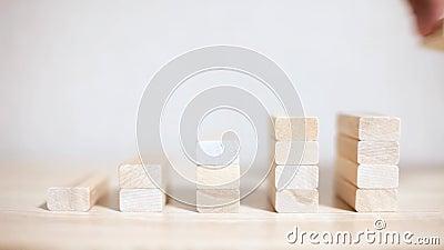 Crecimiento, éxito empresarial concepto de los bloques de madera almacen de video