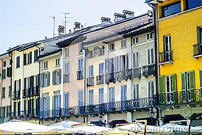 alte h user renovieren italien die neuesten innenarchitekturideen. Black Bedroom Furniture Sets. Home Design Ideas