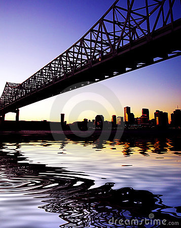 Free Crescent City Connection Bridge In New Orleans Royalty Free Stock Photo - 22137645