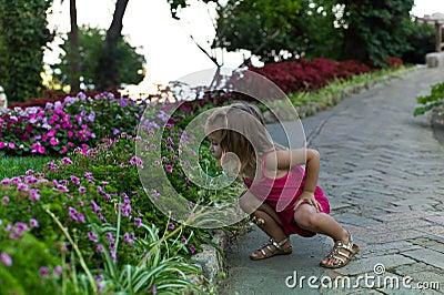 Criança de flor