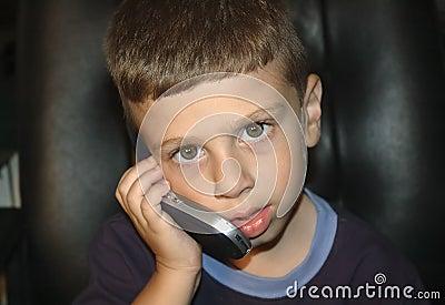 Criança no telemóvel