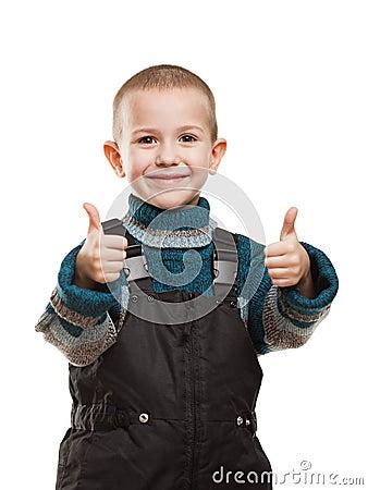 Criança que gesticula o polegar acima