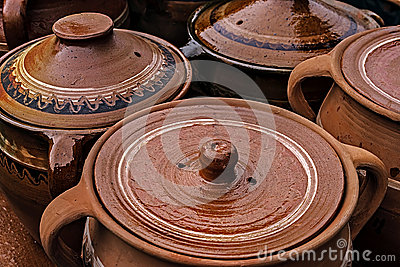Crisoles de cerámica grandes, rumano tradicional