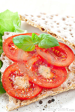 Crisp Bread With Tomato