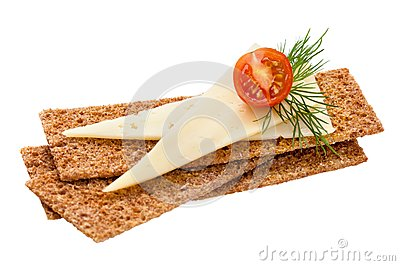 Crispbread with cheese, tomato and dill