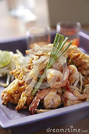 Free Crispy Fried Papaya Pad Thai Royalty Free Stock Photography - 50090497