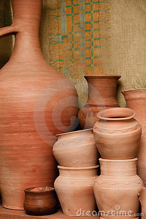 Crockery made ​​of clay