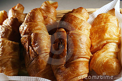 Croissant with cheese & eggs
