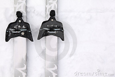 Cross-country skis with simple binding on snow