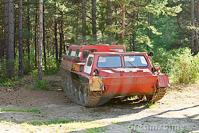 Cross-country vehicle