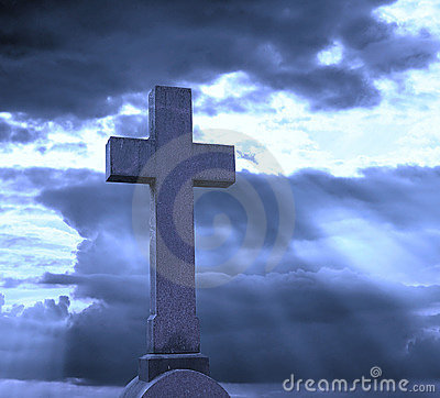 Free Cross Over Cloudy Sky Royalty Free Stock Image - 8120136