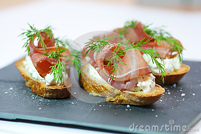 Crostini with bacon