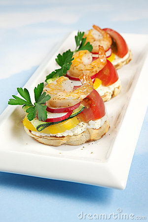 Crostini with feta and shrimps