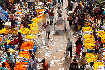 Crowd of people buy & sell flowers Editorial Photo