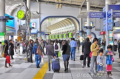 Crowd at Shinagawa train station Tokyo Editorial Photo