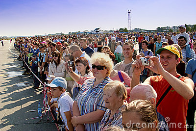 Crowd spectators aviation show Editorial Photography