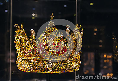 crown king christian singles Say thou to the king and to the mistress, renounce yourselves,  the crown of the head denotes the wisdom which those who are of the church have from divine truth,.