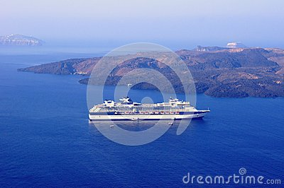 Cruise in the caldera of Santorini