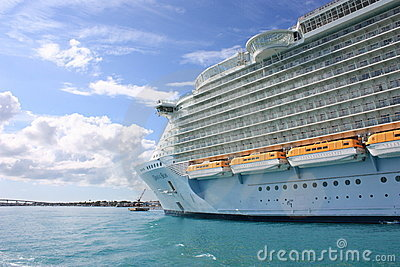 Cruise liner Oasis of the Seas Editorial Stock Photo