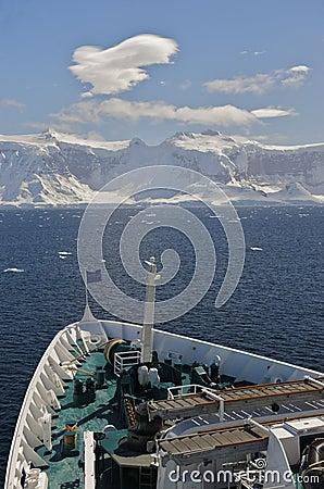 Cruise Ship Gerlache