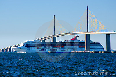 Cruise ship going under the Sunshine Skyway Bridge