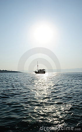 Free Cruise Ship Under The Sun Stock Photography - 15626362